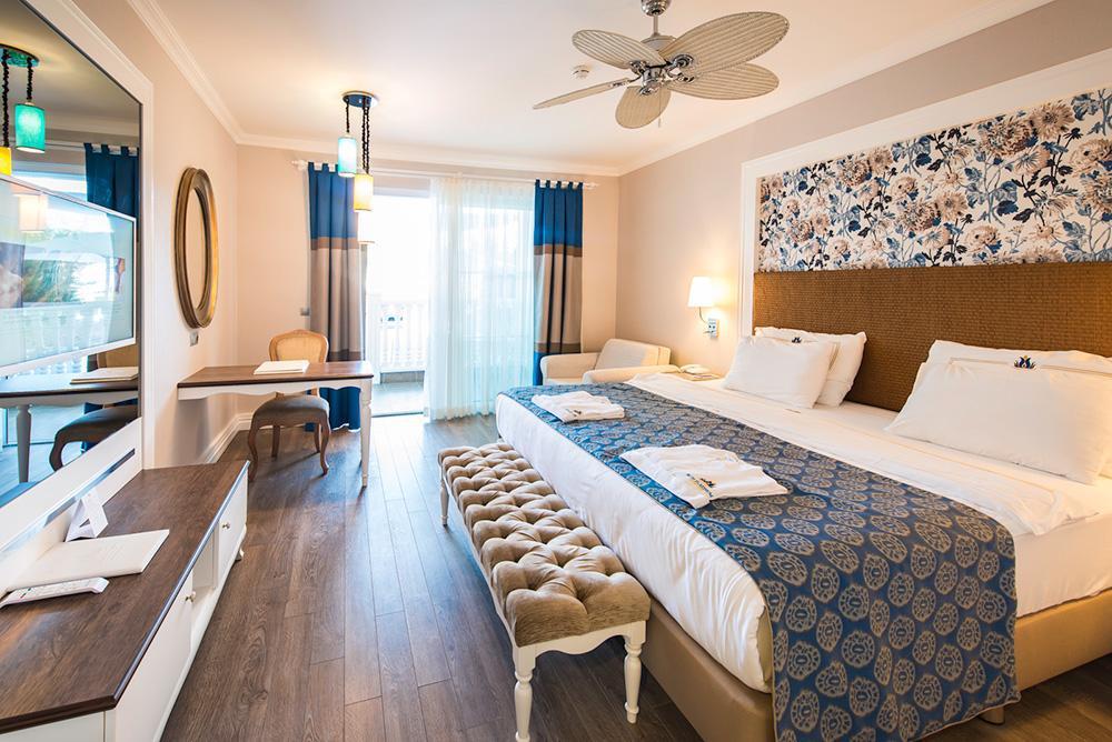 Отель Rubi Platinum Spa Resort & Suites