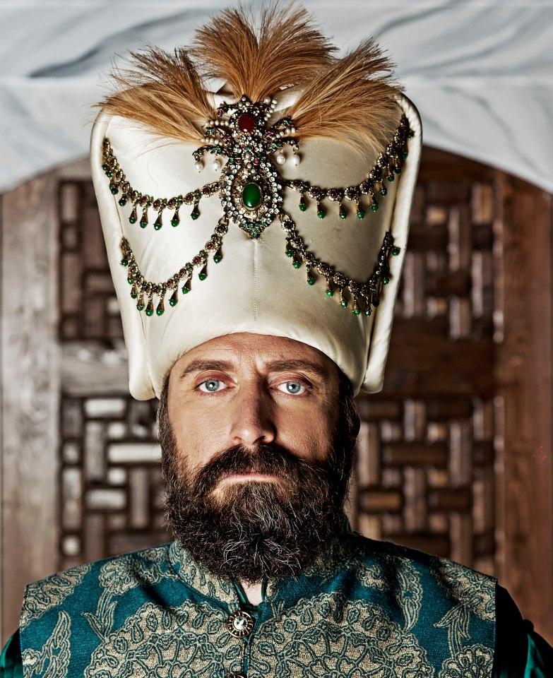 фото с султаном них изображены