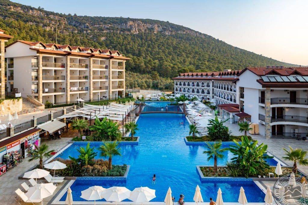 Отель Ramada Resort Akbuk