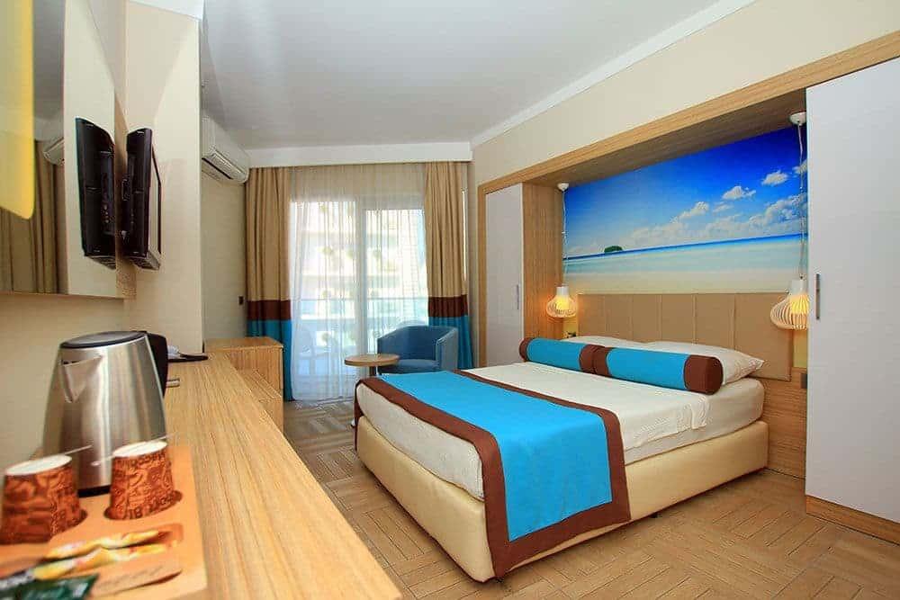 Отель Blue Bay Platinum